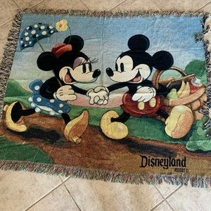 Mickey & Minnie Tapestry Woven Throw Blanket